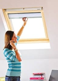 Keylite Clear Lacquered Pine  Centre Pivot Roof Window - Manual Integral Blind - TCP I