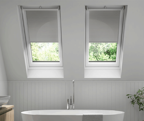 Keylite Clear Lacquered Pine Top Hung Roof Window-Manual Integral Blind - TFE I